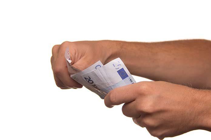 Pożyczki pozabankowe. Jak uniknąć problemów?