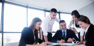 Jak wprowadzić monitorowanie czasu pracy pracownika do firmy?
