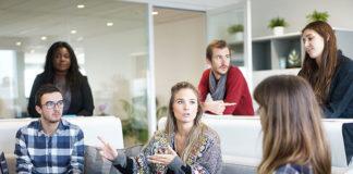 Jak inwestować w pracowników, czyli polityka szkoleniowa w firmie