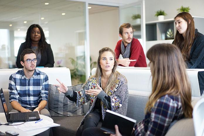 Jak usprawnić proces zarządzania łańcuchem dostaw w firmie?