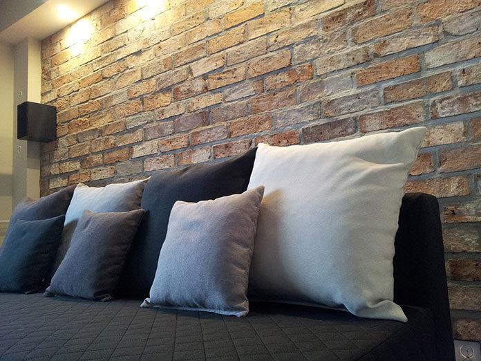 Płytki z cegły na ścianę